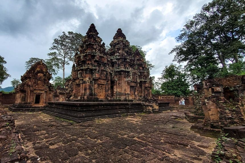 Banteay Srei and the Grand Circuit Tour